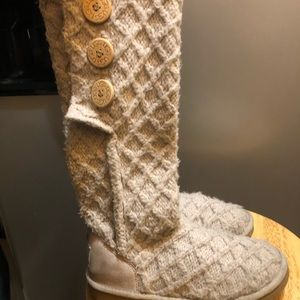 Authentic ugg size 6.